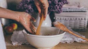 Добавляем сахар и ваниль